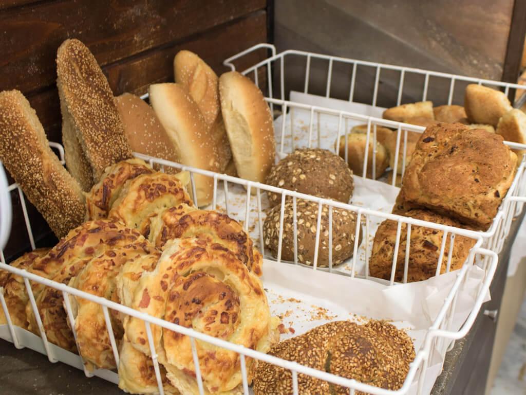 Κουλούρια και ατομικά ψωμάκια